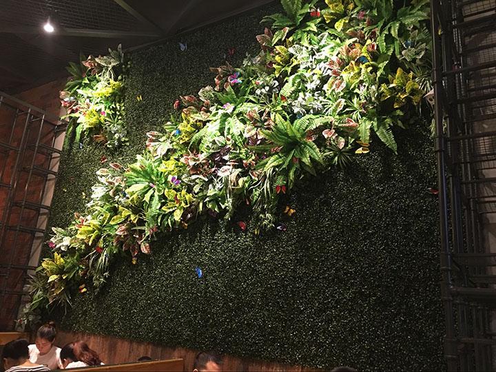 餐饮场所仿真植物墙